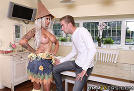 Brazzers - Sex With The Scarecrow