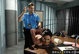 Brazzers - Braless & Lawless